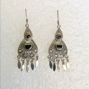 Vintage finely crafted 925 onyx earrings
